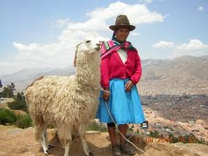 Quechuafrau mit Alpaca (c) Anja Knorr