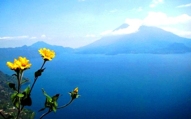 Lago-de-Atitlan-Guatemala-c-Anja-Knorr