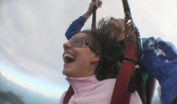 Fallschirmsprung am Mission Beach (c) Anja Knorr