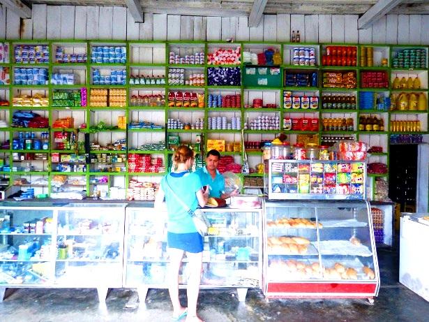 Supermarkt Ladrilleros (c) Anja Knorr
