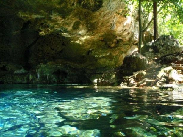 Cenote von oben (c) Anja Knorr
