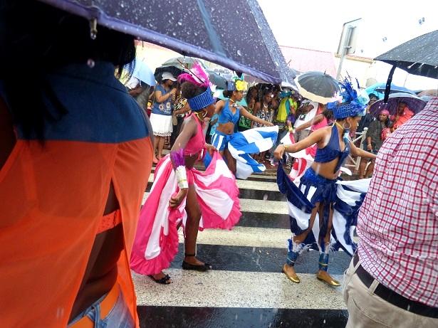 Karneval Martinique im Regen (c) Anja Knorr